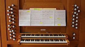 Gottesdienst m. besonderer Orgelmusik, m. Mil.Dek. E. Raunig